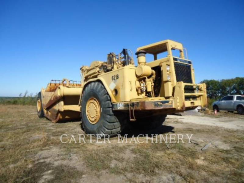CATERPILLAR MOTOESCREPAS 621B equipment  photo 1