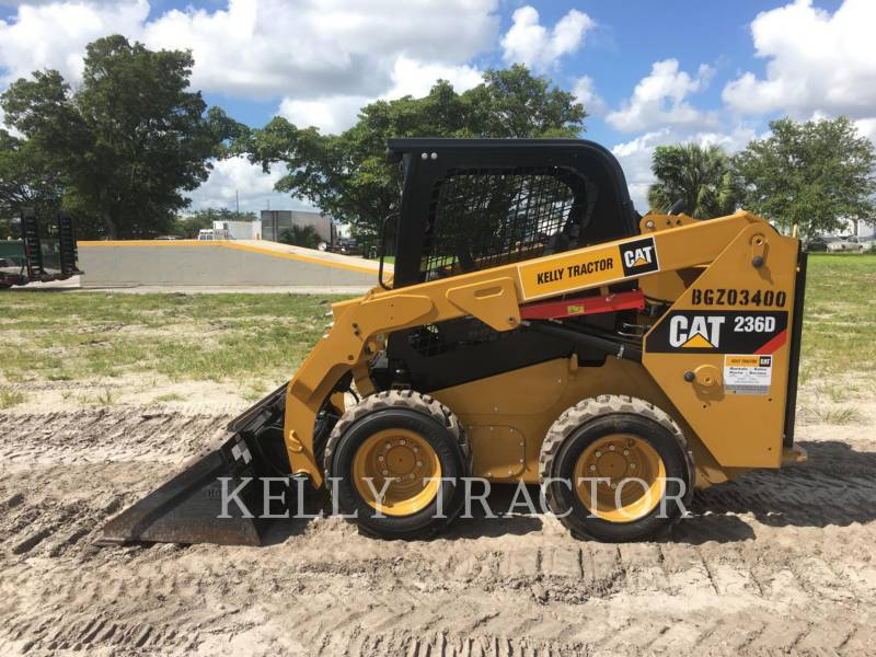 CATERPILLAR MINICARREGADEIRAS 236 D equipment  photo 2