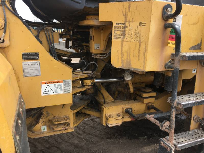 CATERPILLAR CARGADORES DE RUEDAS 966GII equipment  photo 13