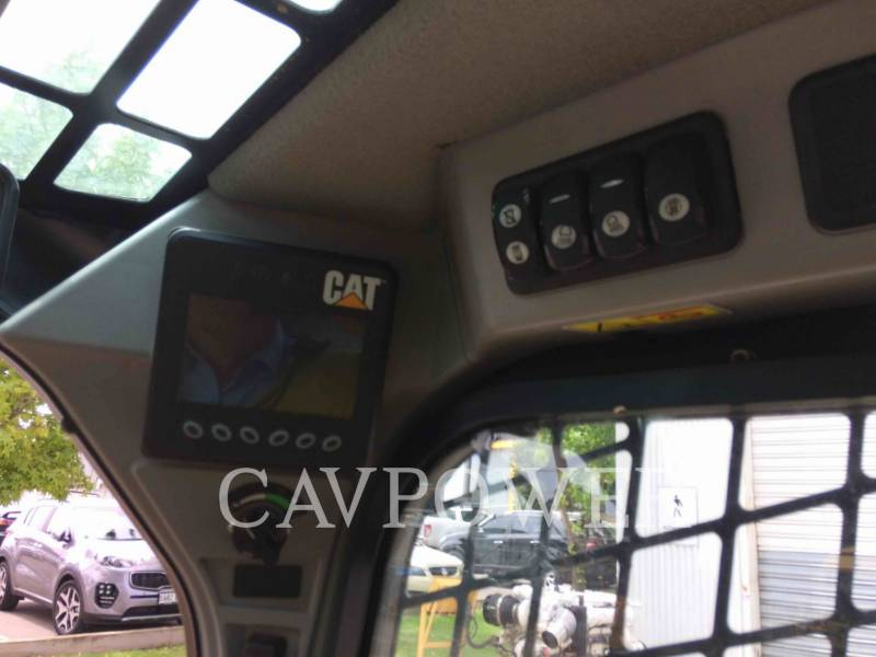 CATERPILLAR CHARGEURS TOUT TERRAIN 259D equipment  photo 12