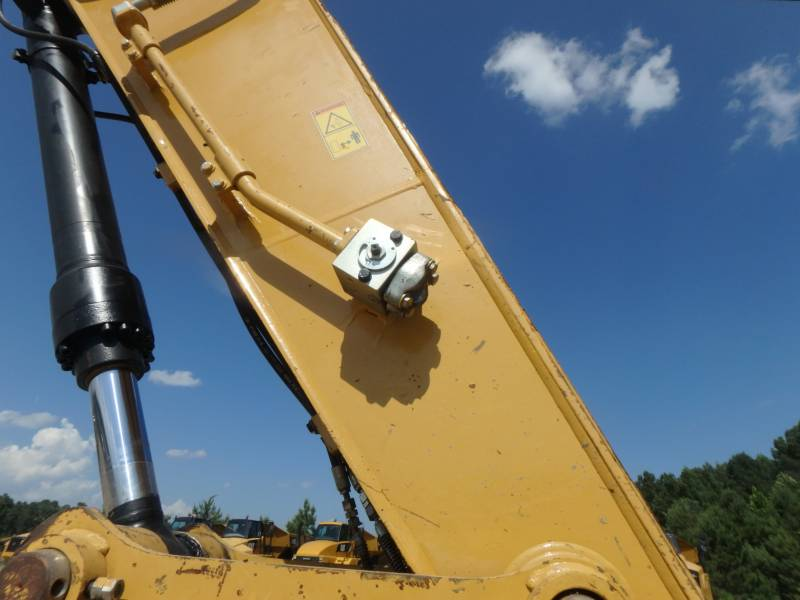 CATERPILLAR TRACK EXCAVATORS 320DLRR equipment  photo 9