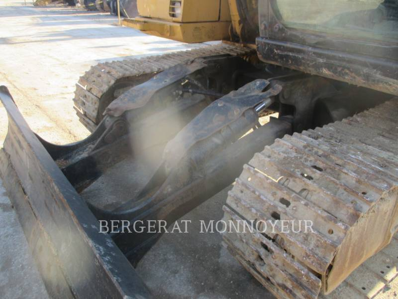 CATERPILLAR KETTEN-HYDRAULIKBAGGER 311CU equipment  photo 12