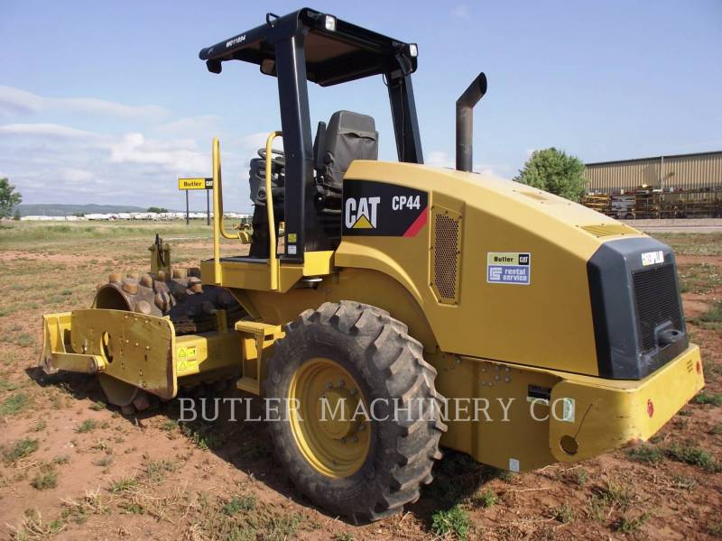 CATERPILLAR ASPHALT PAVERS CP44 equipment  photo 3