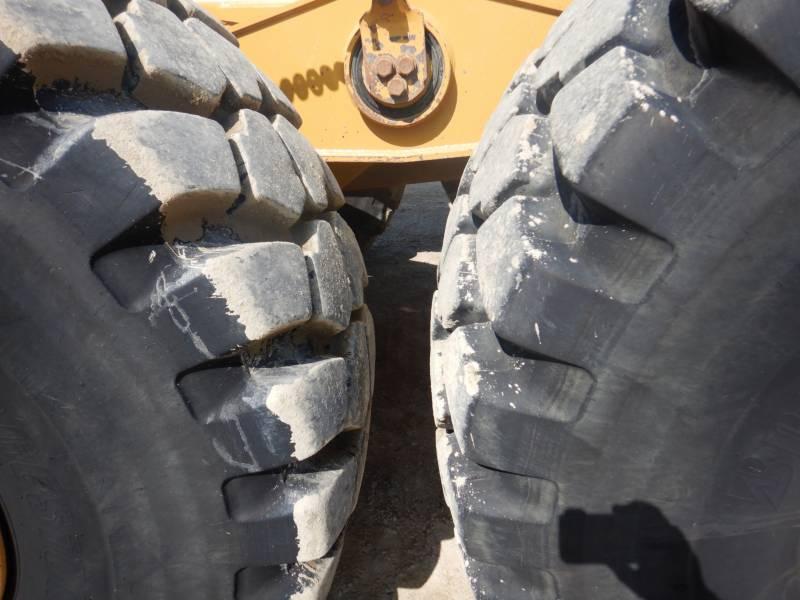 CATERPILLAR KNIKGESTUURDE TRUCKS 740 B equipment  photo 9