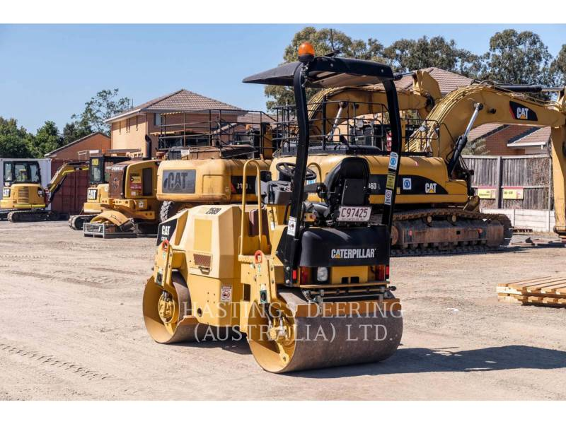 CATERPILLAR VIBRATORY SINGLE DRUM SMOOTH CB24 equipment  photo 6
