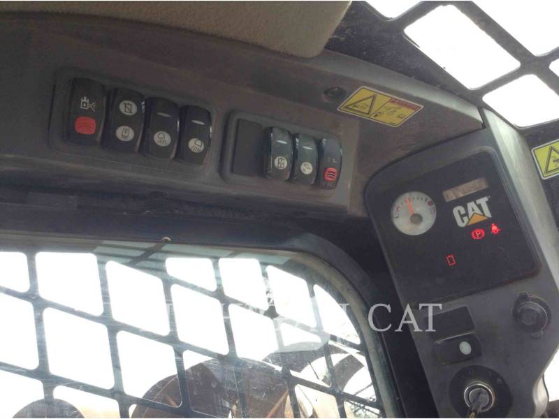 CATERPILLAR SKID STEER LOADERS 272C AQ equipment  photo 12