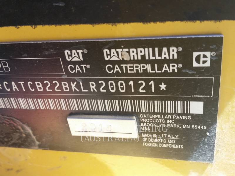 CATERPILLAR VIBRATORY DOUBLE DRUM ASPHALT CB22BLRC equipment  photo 6