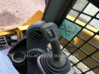 CATERPILLAR SKID STEER LOADERS 242 D equipment  photo 16
