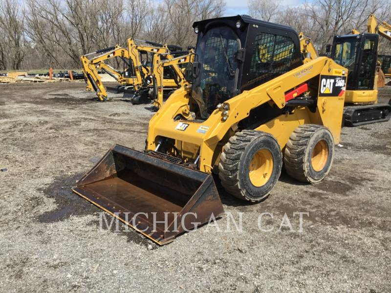 CATERPILLAR KOMPAKTLADER 246D C2Q equipment  photo 2