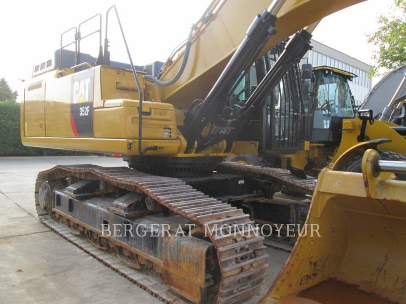 CATERPILLAR TRACK EXCAVATORS 352F equipment  photo 5