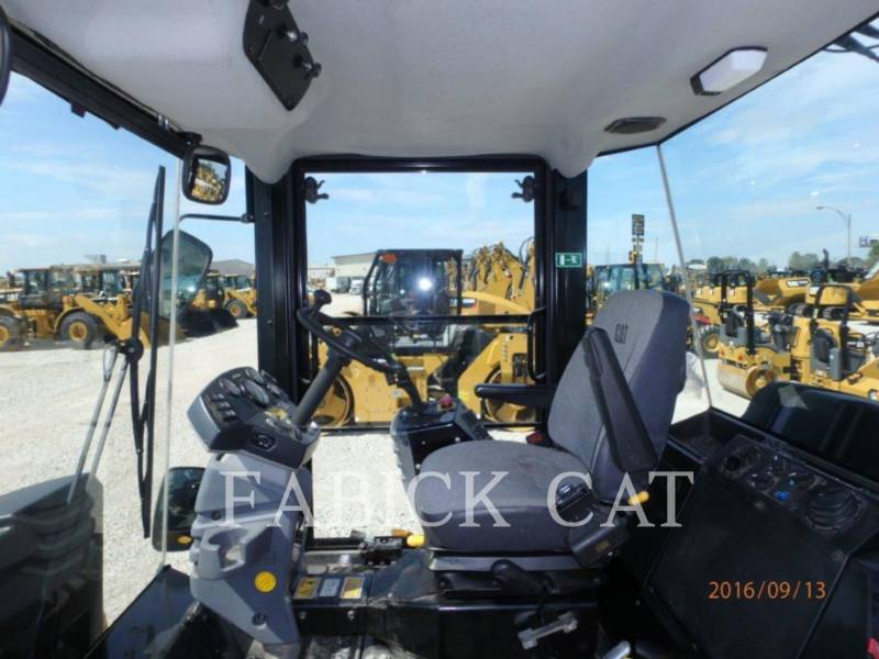 CATERPILLAR VIBRATORY DOUBLE DRUM ASPHALT CD54 equipment  photo 7