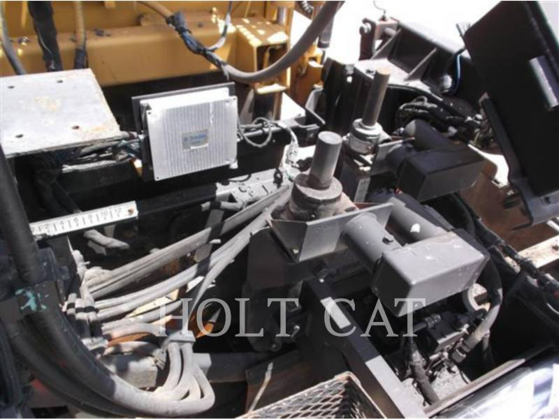 CATERPILLAR SCHWARZDECKENFERTIGER AP-1055D equipment  photo 18