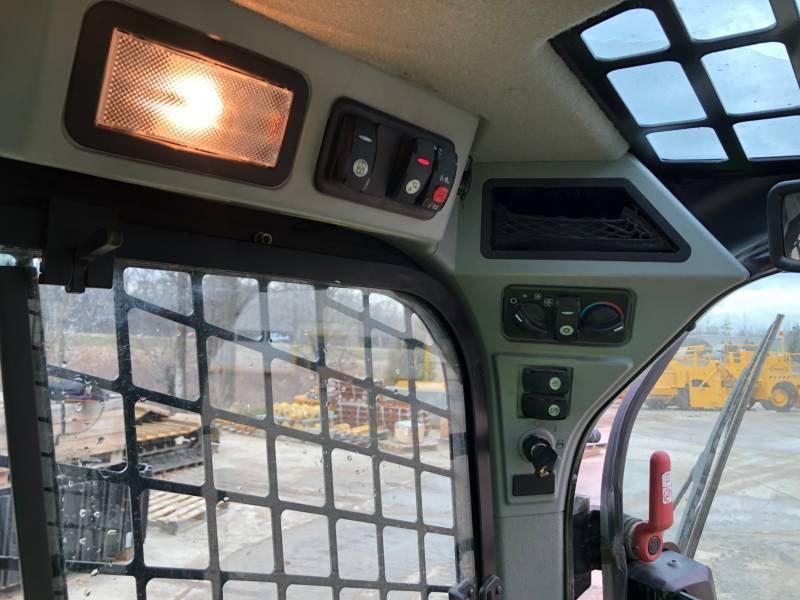 Caterpillar MINIÎNCĂRCĂTOARE RIGIDE MULTIFUNCŢIONALE 236D equipment  photo 20