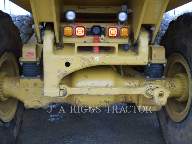 CATERPILLAR KNICKGELENKTE MULDENKIPPER 740B equipment  photo 18