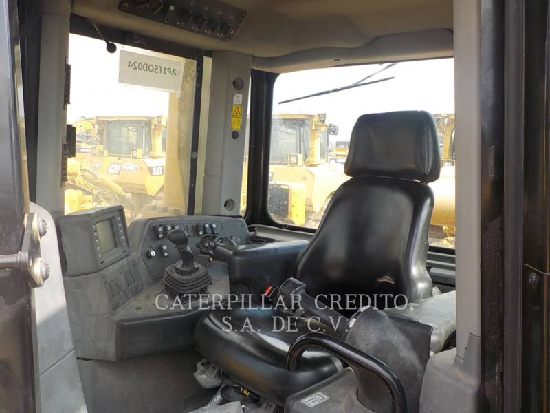 CATERPILLAR TRATTORI CINGOLATI D8T equipment  photo 8