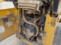 CATERPILLAR CARGADORES MULTITERRENO 257B equipment  photo 14
