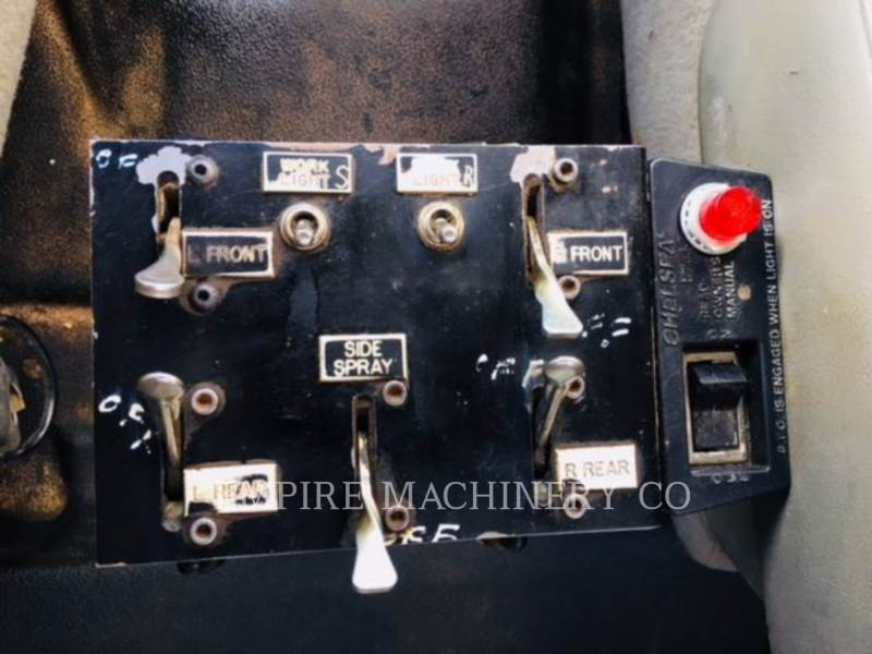 NEW HOLLAND CAMIONES DE AGUA 2K TRUCK equipment  photo 16