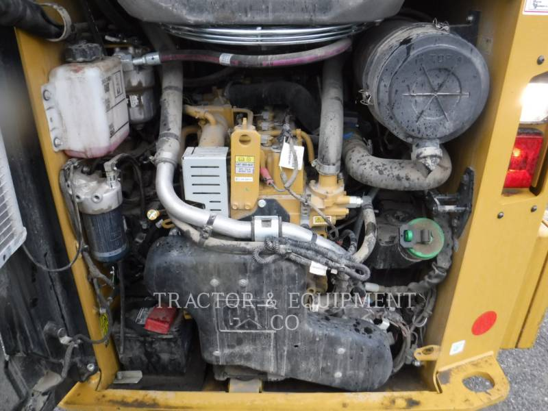 CATERPILLAR CHARGEURS COMPACTS RIGIDES 236D H2CB equipment  photo 10