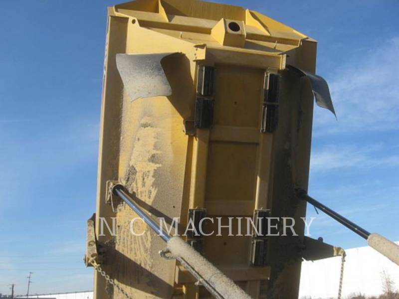 CATERPILLAR TOMBEREAUX ARTICULÉS 740B equipment  photo 12