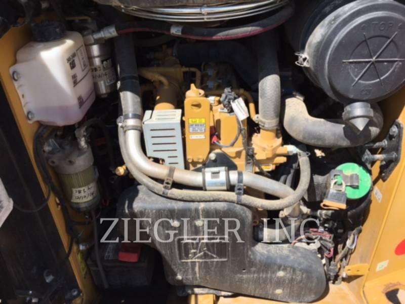 CATERPILLAR SKID STEER LOADERS 242DS equipment  photo 6