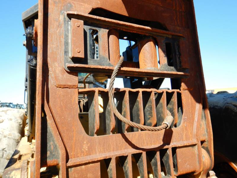 CATERPILLAR EXPLOITATION FORESTIÈRE - DÉBARDEURS 545D equipment  photo 14