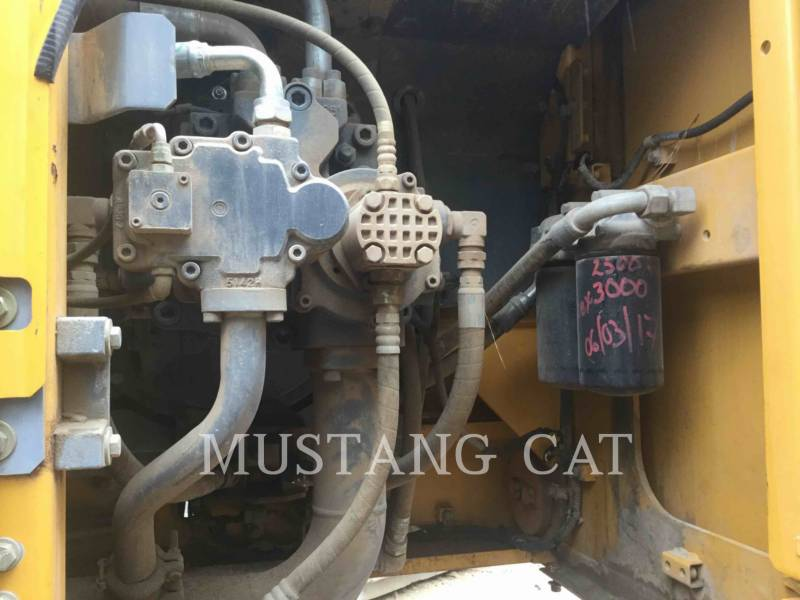 JOHN DEERE KETTEN-HYDRAULIKBAGGER 470G equipment  photo 10