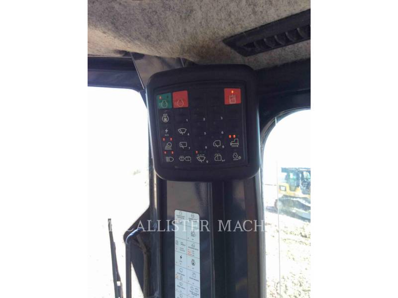 JOHN DEERE TRACTORES DE CADENAS 650K XLT equipment  photo 19