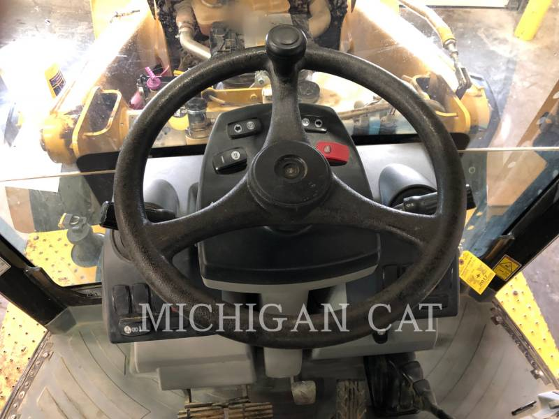 CATERPILLAR CHARGEUSES-PELLETEUSES 420F AR equipment  photo 9