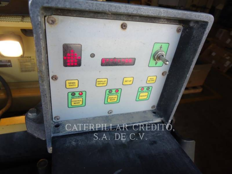 CATERPILLAR ASPHALT PAVERS AP 1000 D equipment  photo 12