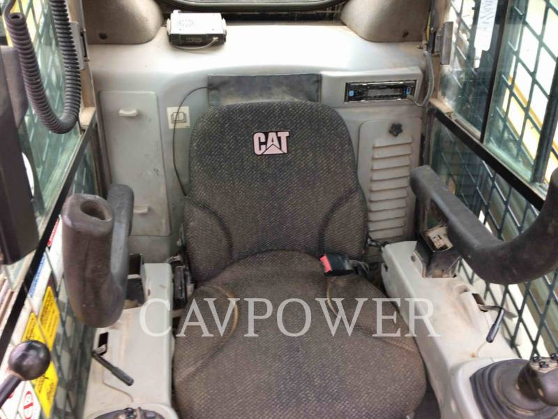 CATERPILLAR MINICARGADORAS 246C equipment  photo 13