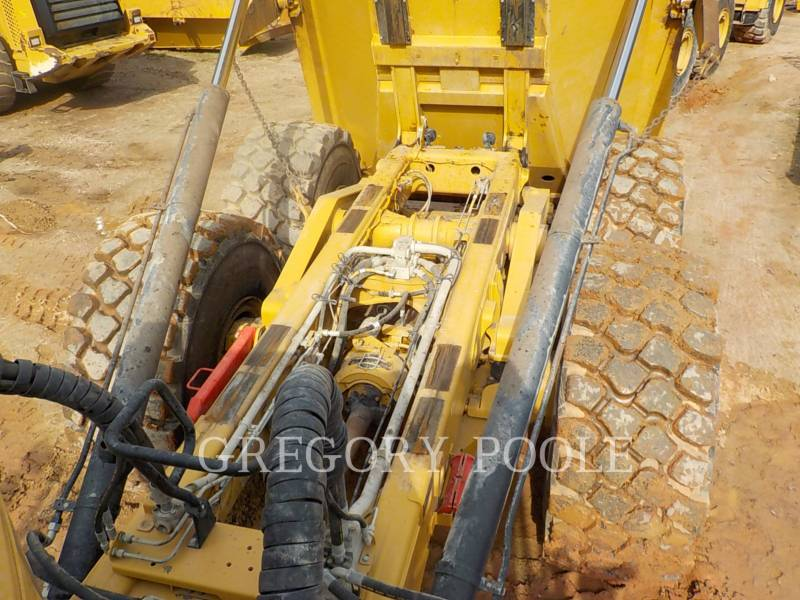 Caterpillar CAMIOANE ARTICULATE 740B equipment  photo 14