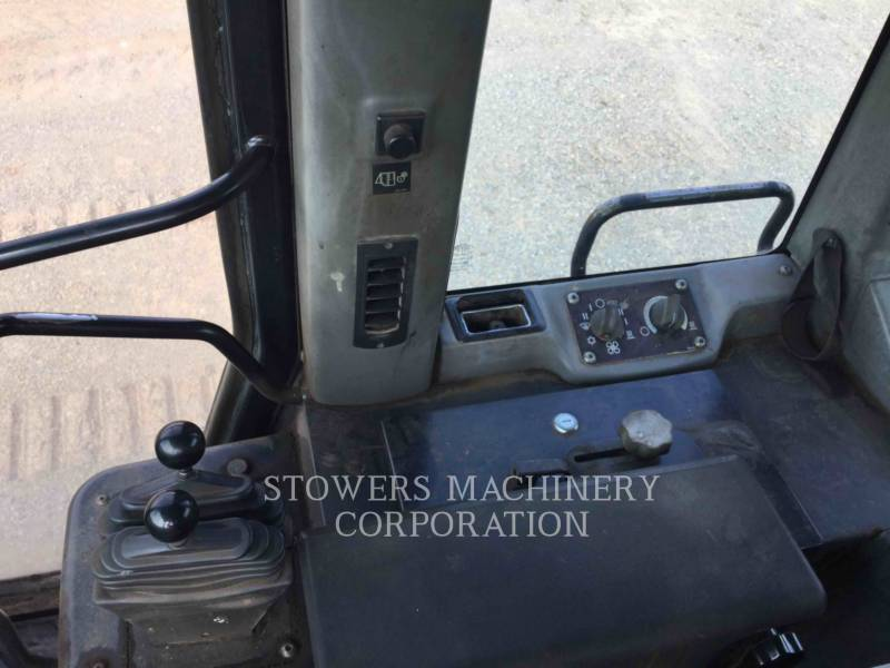 CATERPILLAR TRACK LOADERS 963C equipment  photo 15