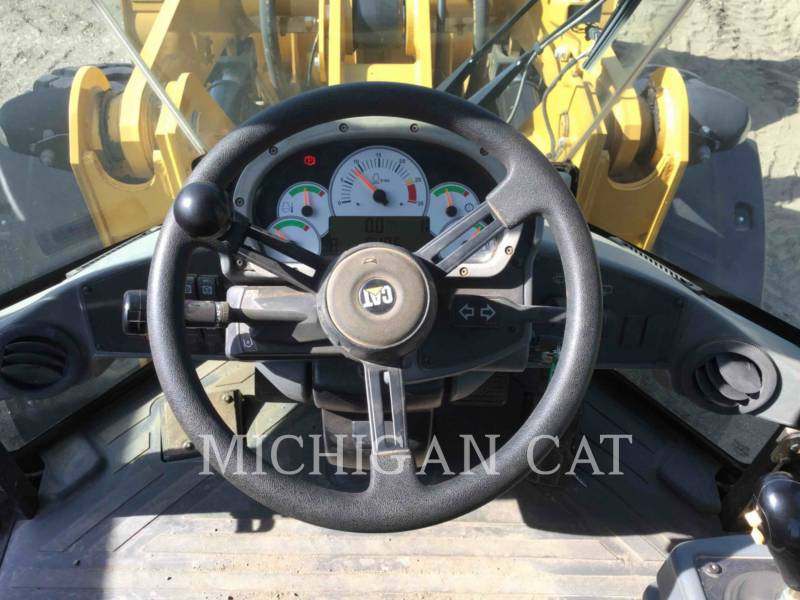 CATERPILLAR CARGADORES DE RUEDAS 928HZ R equipment  photo 6