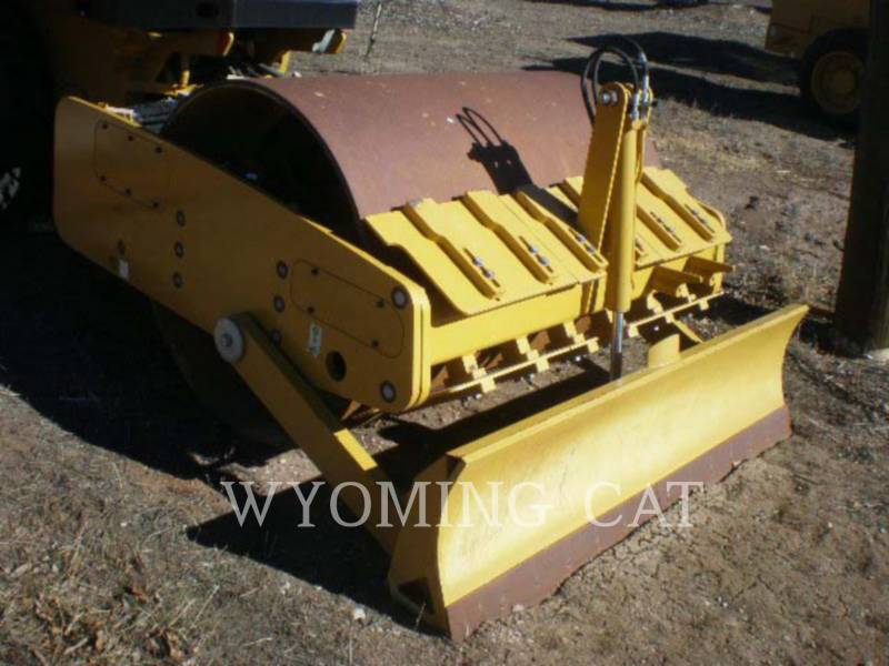 CATERPILLAR COMPACTORS CS44 equipment  photo 2