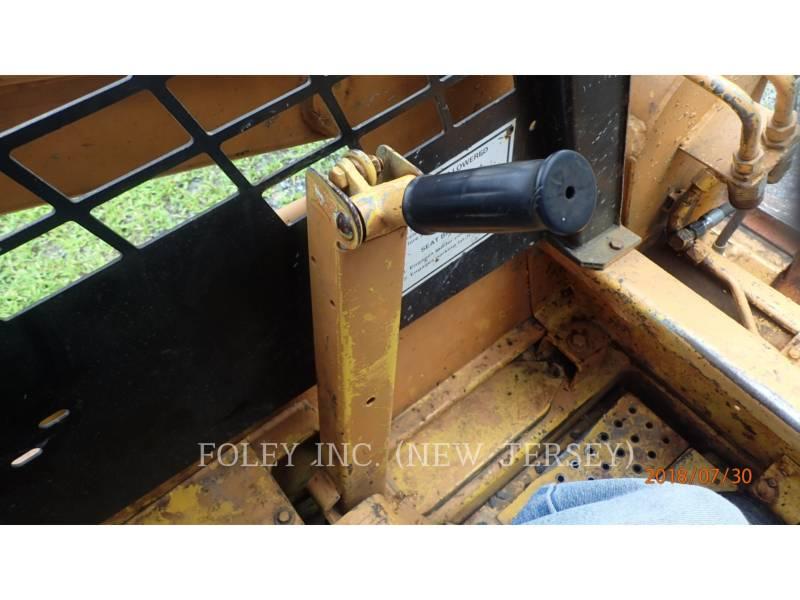 CASE MINICARGADORAS 1840 equipment  photo 21
