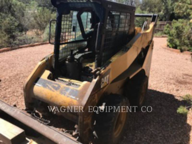 CATERPILLAR SKID STEER LOADERS 232 equipment  photo 1