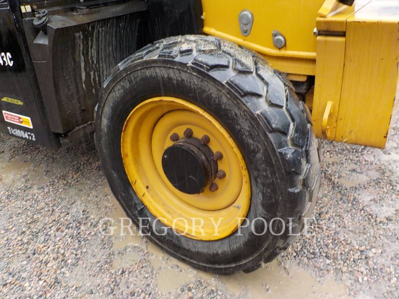CATERPILLAR TELEHANDLER TL943C equipment  photo 19