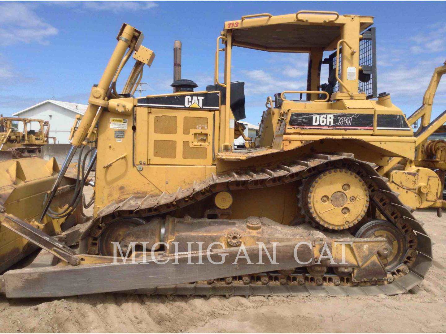 Detail photo of 2003 Caterpillar D6R II from Construction Equipment Guide