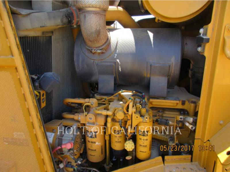 CATERPILLAR TRACTORES DE CADENAS D9T equipment  photo 14