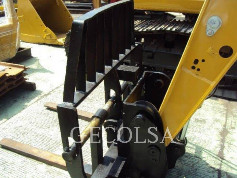 CATERPILLAR TELEHANDLER TL943 equipment  photo 6