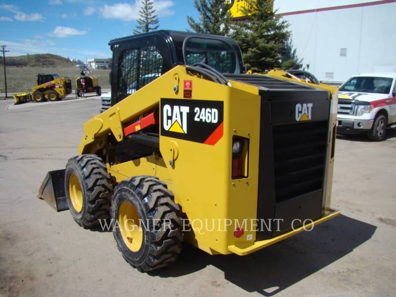 CATERPILLAR KOMPAKTLADER 246D equipment  photo 2