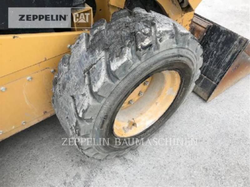 CATERPILLAR PALE COMPATTE SKID STEER 246D equipment  photo 24
