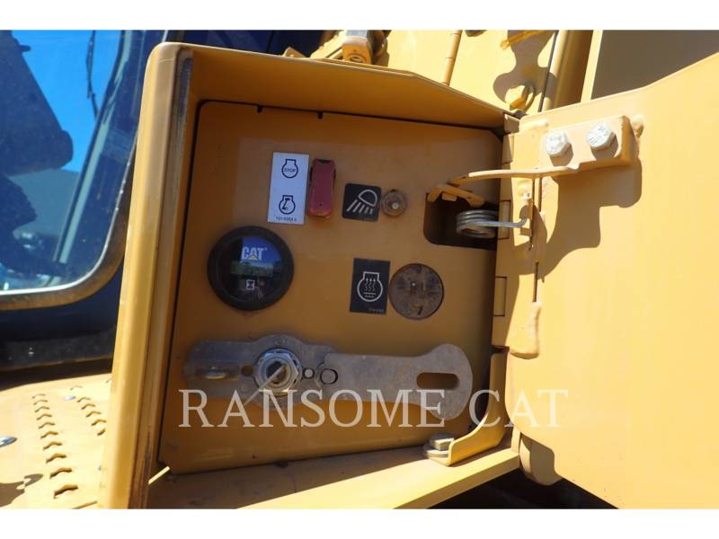 CATERPILLAR TRACTORES DE CADENAS D6TXL equipment  photo 16
