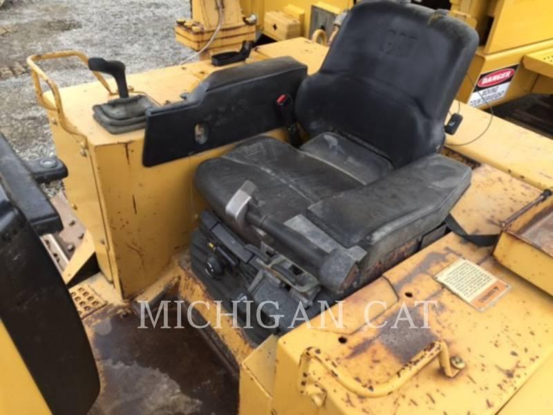 CATERPILLAR TRACK TYPE TRACTORS D5M equipment  photo 5