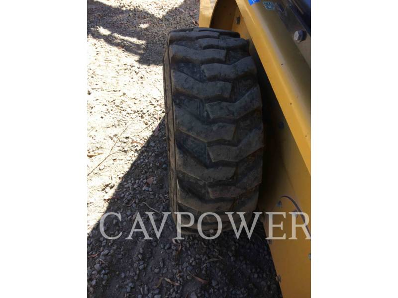 CATERPILLAR SKID STEER LOADERS 226B3LRC equipment  photo 14