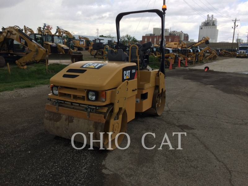 CATERPILLAR COMBINATION ROLLERS CB34 equipment  photo 2