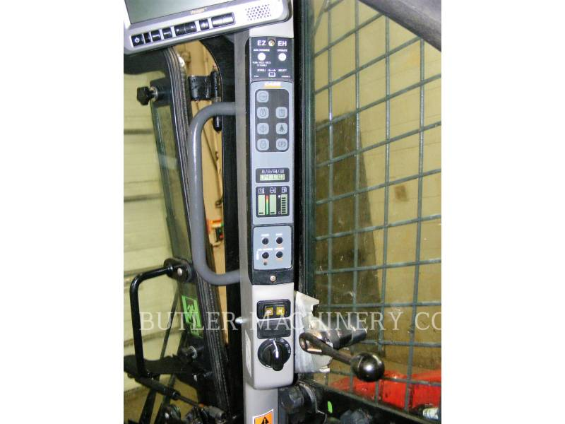 CASE/NEW HOLLAND MINICARGADORAS SV280 equipment  photo 8