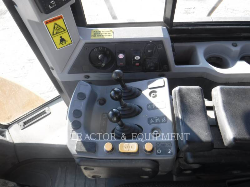 CATERPILLAR CARGADORES DE RUEDAS 962K equipment  photo 16