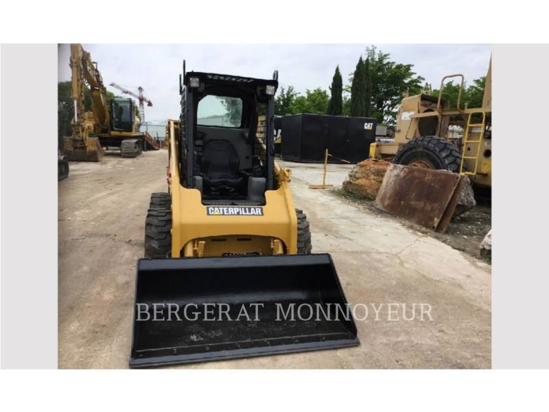 CATERPILLAR CHARGEURS COMPACTS RIGIDES 216B3 equipment  photo 5