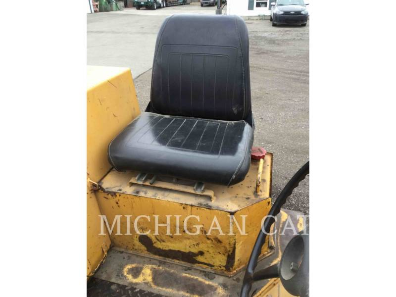 HYPAC VIBRATORY DOUBLE DRUM ASPHALT C330B equipment  photo 11